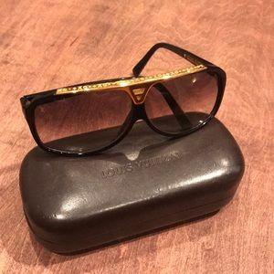 b08b41314b40 Louis Vuitton. Authentic Louis Vuitton Evidence Sunglasses